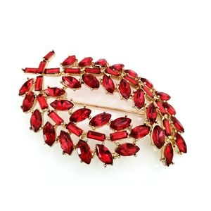 Large Red glass gold tone floral brooch